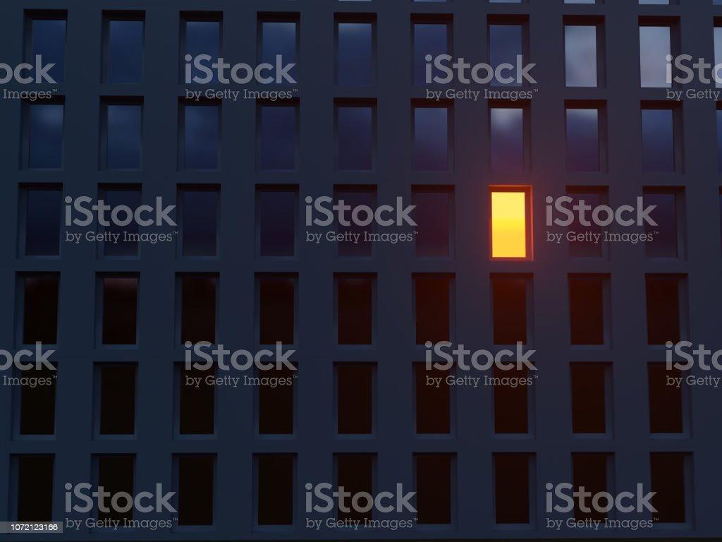 sola ventana luminosa en una casa oscura foto de stock libre de derechos