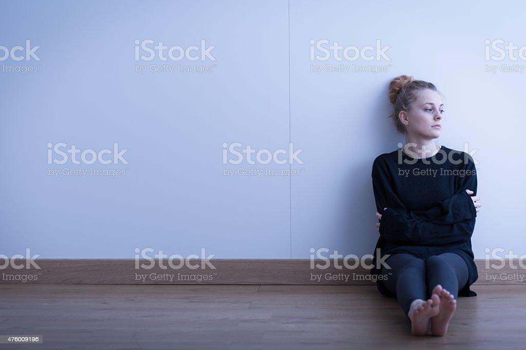 Einsam nachdenklich Mädchen – Foto