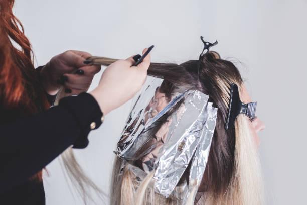 lang blond haar - hair grow cyclus stockfoto's en -beelden