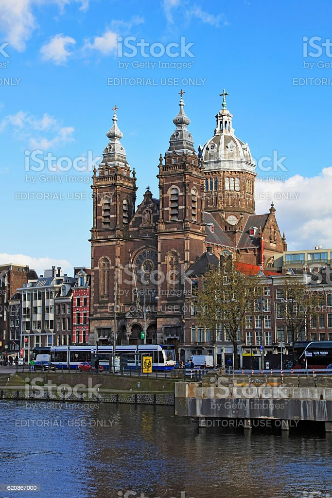 Long exposure Church of Saint Nicholas in Amsterdam, Netherlands foto de stock royalty-free