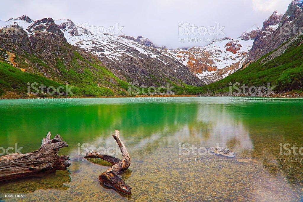 Longa exposição: Laguna Esmeralda - Lago Esmeralda – Ushuaia, Tierra Del fuego, Argentina - foto de acervo