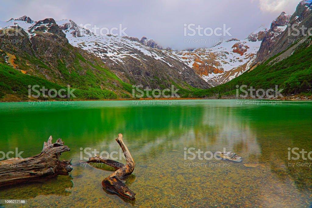 Longa exposição: Laguna Esmeralda - Lago Esmeralda – Ushuaia, Tierra Del fuego - foto de acervo