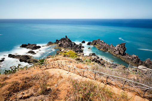 Long Exposure Rocky Coastline In Madeira - Fotografias de stock e mais imagens de Abandonado