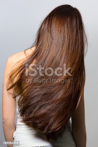 istock Long hair from behind 185084025