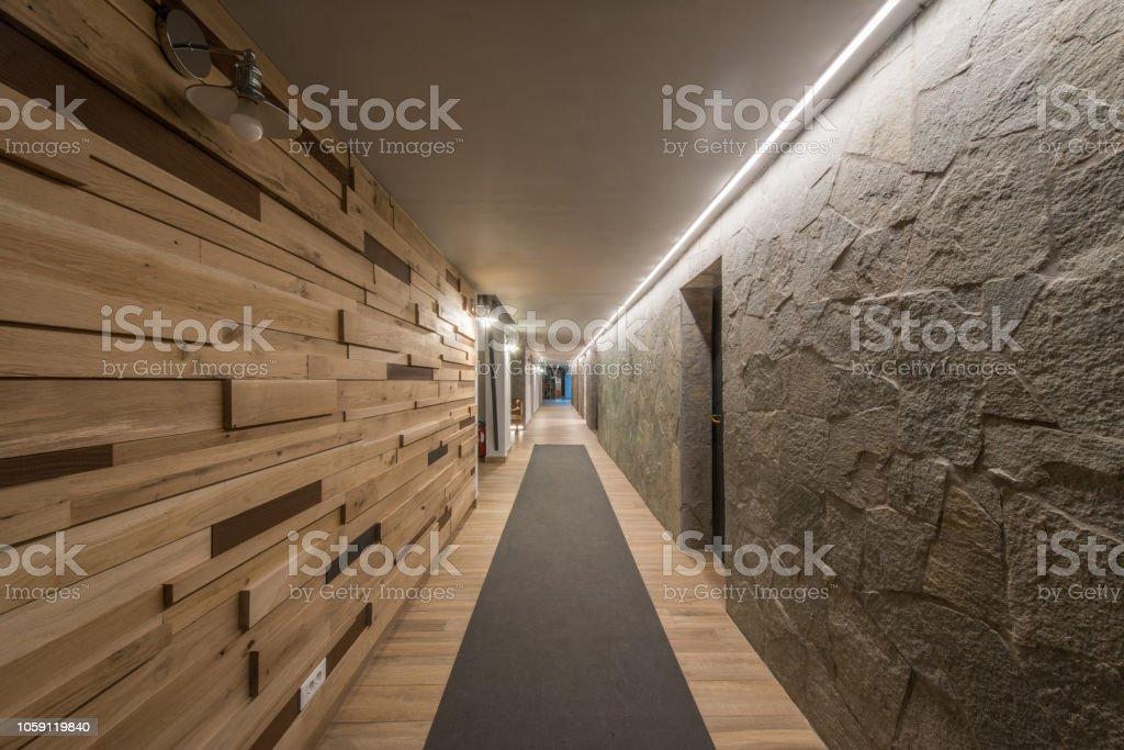 Photo De Stock De Long Couloir Et Plafond En Hotel Moderne Images