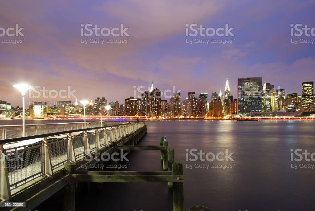 Long Island City ligne d'horizon au crépuscule photo libre de droits