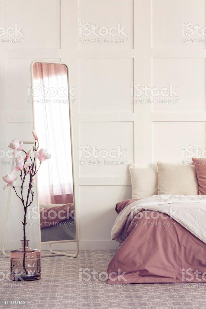 Photo Libre De Droit De Miroir Long Dans Linterieur Chic De