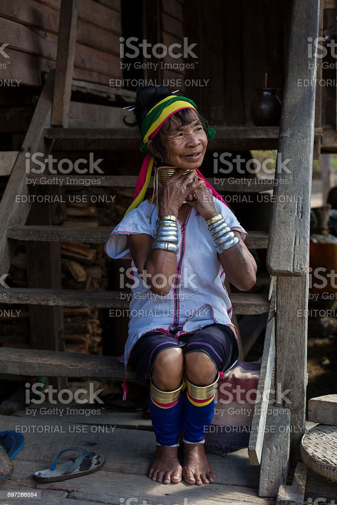 Long neck woman from the Padaung tribe in Loikaw, Myanmar. Lizenzfreies stock-foto