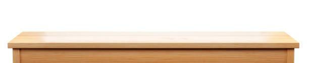 白い背景、3d レンダリングで隔離される長いマツ木の卓上 - 長い ストックフォトと画像