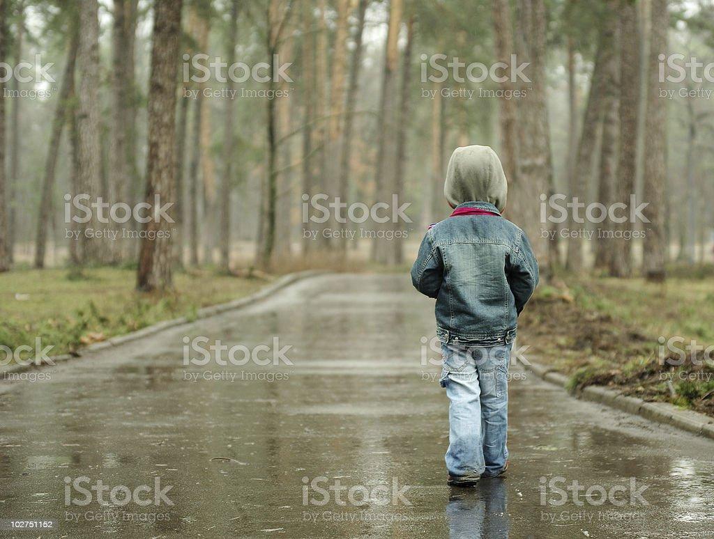 Langen, verregneten Weg – Foto