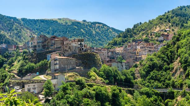 Longobucco, vila no parque natural de Sila, Calábria - foto de acervo