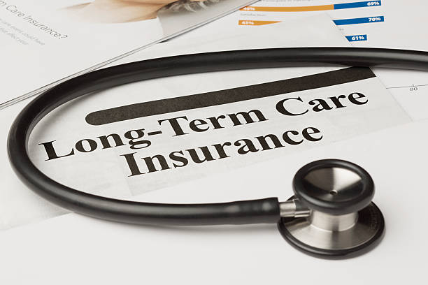 долгосрочного страхования по медицинскому уходу политики - текст стоковые фото и изображения