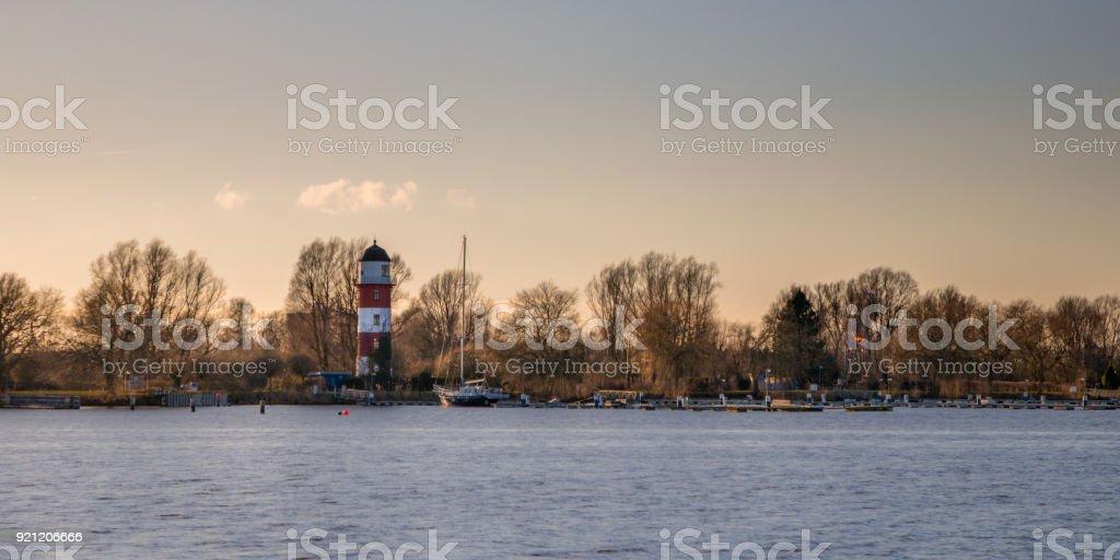 Schauen Sie sich das Ufer – Foto