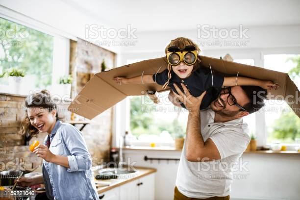 Look daddy im an airplane picture id1159221046?b=1&k=6&m=1159221046&s=612x612&h=8 xh6hwlx a6sg8b7silhgebaszzhnnewe1r7qd1znm=