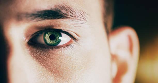 looking at the future - percezione sensoriale foto e immagini stock