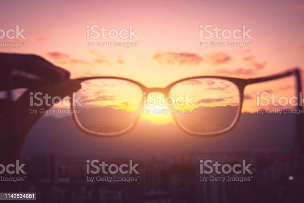 Looking city sunset through eyeglass picture id1142534681?b=1&k=6&m=1142534681&s=612x612&h=3w4hkvtj1y tosfkrj9 jwg win5ew2s9l8dexijht0=