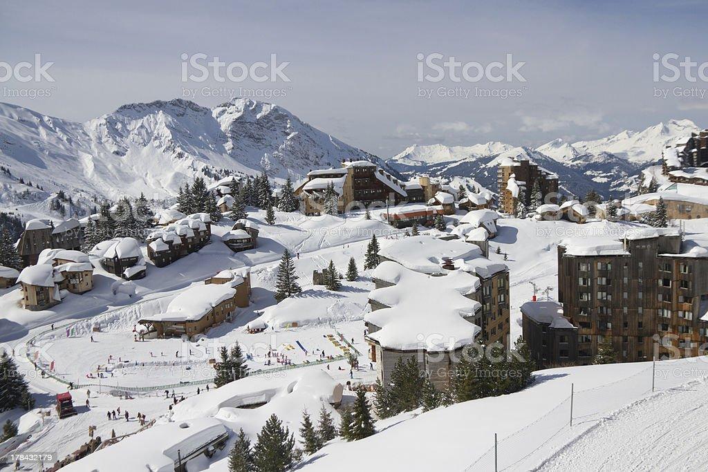 Regardant vers le bas sur les enfants de l'école de ski - Photo