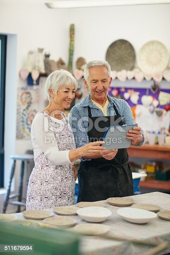 511679304istockphoto Looking for pottery ideas online 511679594