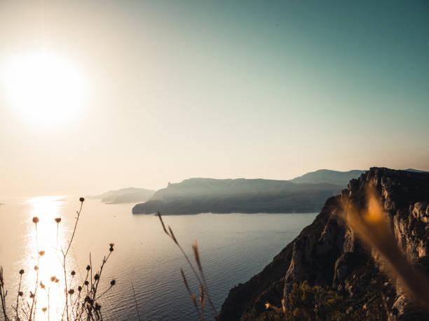 Sonnenuntergang betrachten über dem Mittelmeer. – Foto