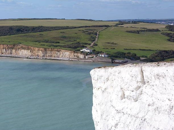 looking towards seaford head from the seven sisters - cuckmere river stockfoto's en -beelden