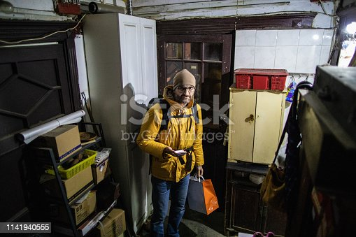 istock Looks someone get lost 1141940555