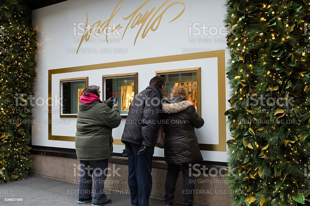 Lord & Taylor 2021 Christmas Windows Photos Lord And Taylor Holiday Windows Stock Photo Download Image Now Istock
