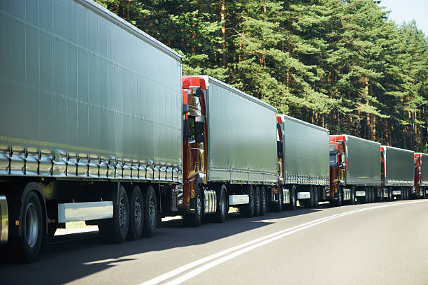 LKW, Transporter im Stau – Foto