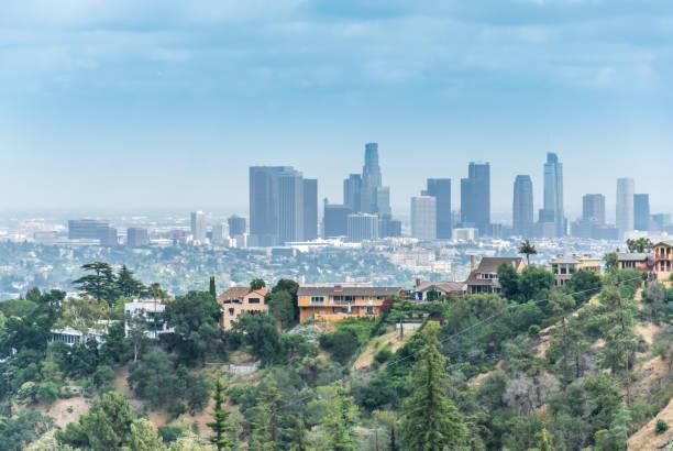 der business center of california, los angeles. stadtbild von innenstadt, aerial view - hohe warte stock-fotos und bilder