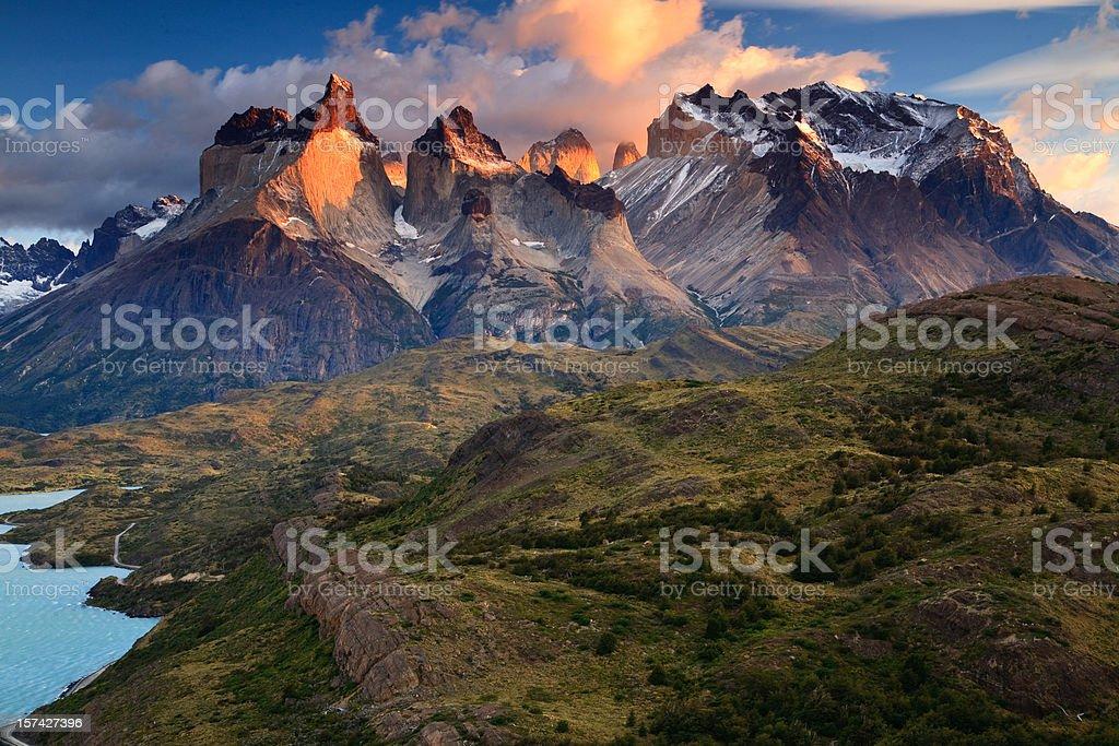 Los Cuernos and Monte Almirante Nieto stock photo