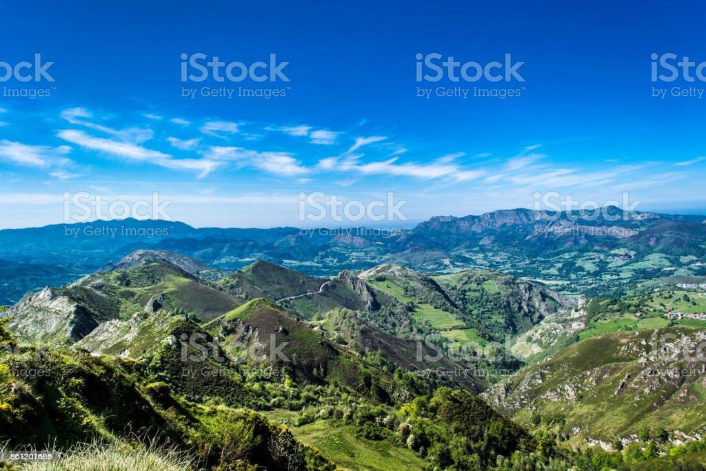Los pics de la montaña stock photo