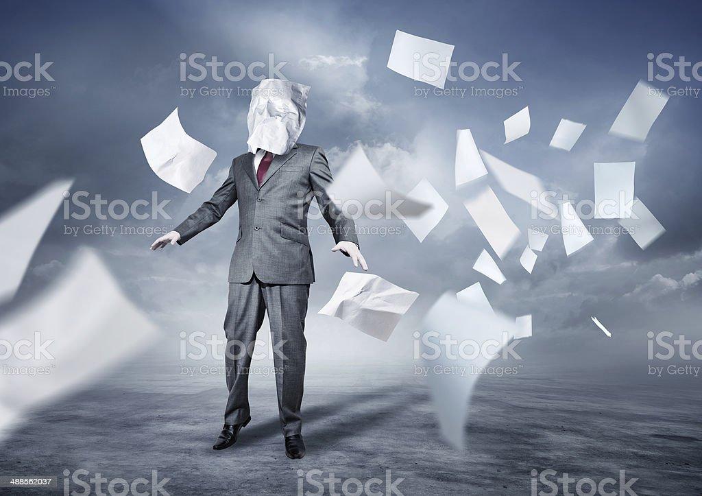 Lost In Papierkram – Foto