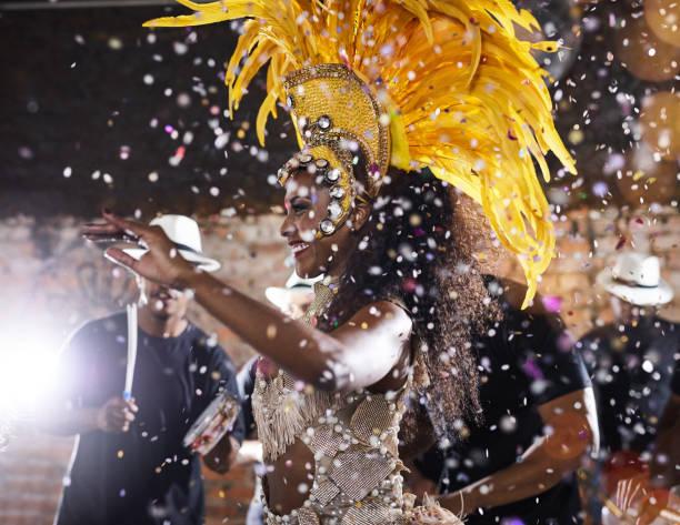 lost in the sparkling magic of the night - samba imagens e fotografias de stock