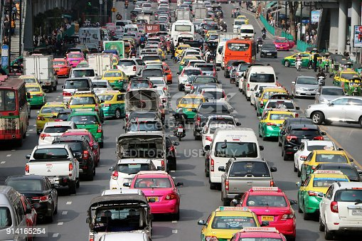 istock Lots of cars in Ratchadamri road, the street in rush hour traffic jam heaviest. 914165254