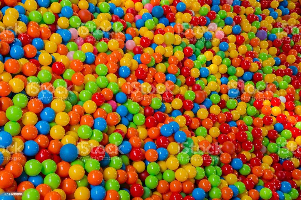 Muitas bolas coloridas - foto de acervo