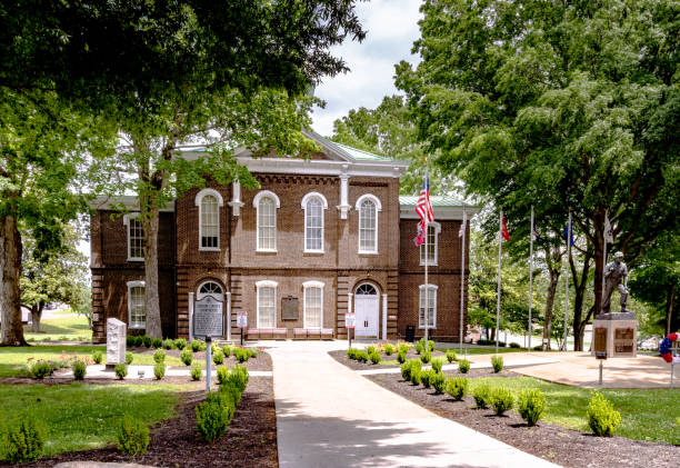 loudon county courthouse - loudon stock photos and pictures