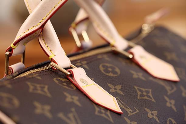 louis vuitton torba - brand name zdjęcia i obrazy z banku zdjęć