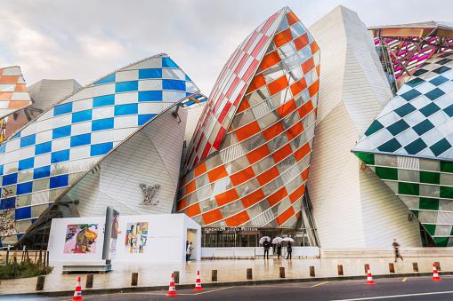Louis Vuitton Foundation In Paris France Stock Photo - Download Image Now