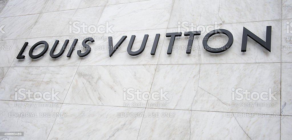 Louis Vuitton Firmare Su Sfondo Bianco Marmo Fotografie Stock E