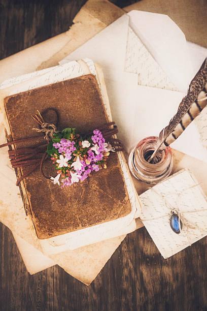 love briefe, tagebuch - bücherbund stock-fotos und bilder