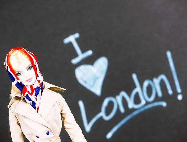 ich liebe london! - barbiekleidung stock-fotos und bilder