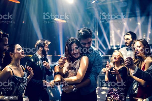 Love on the dancefloor picture id1097110474?b=1&k=6&m=1097110474&s=612x612&h=uaoar5ndbpas6ehccilhk5tssdmuk4xblqegpyopmwc=
