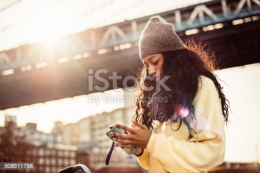 istock I love shopping from my phone 508511756