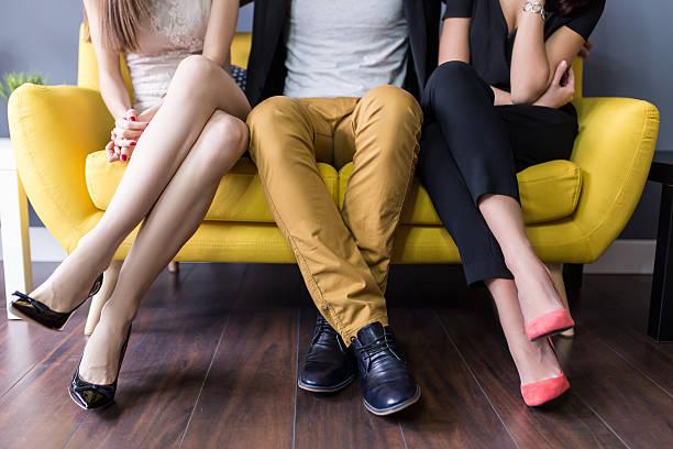 愛 トライアングル、概念的な 三人組 - 不正直 ストックフォトと画像