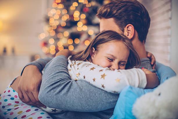 love you so much daddy! - weihnachten 7 jährige stock-fotos und bilder