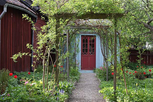 Lovely Garden Path bildbanksfoto