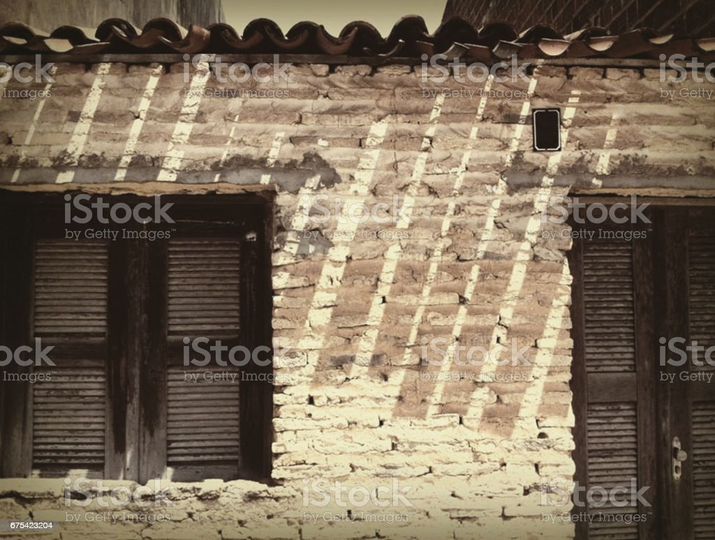 12-023 Lovely house with black shutters and door, Brazil photo libre de droits
