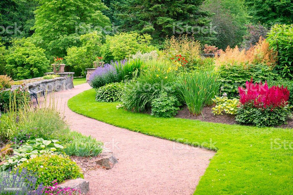 Lovely summer gardens - foto de stock