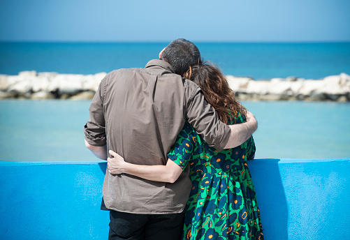 바다 사랑 커플 수용 보고 2명에 대한 스톡 사진 및 기타 이미지