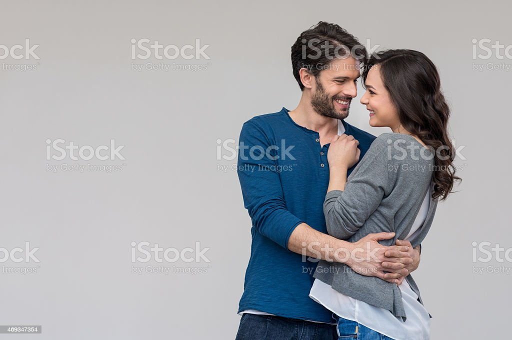 couple amoureux S'enlacer - Photo