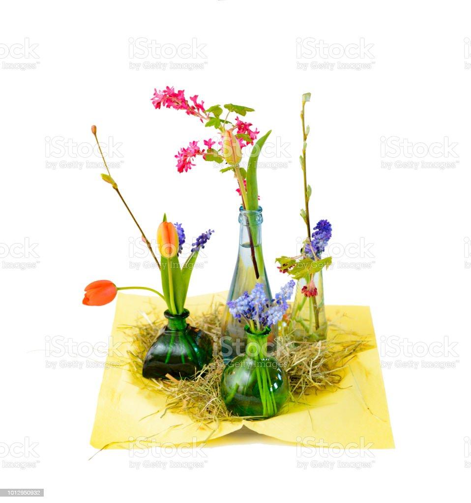 Liebevoll Gestaltete Naturliche Tischdekoration Bunten Fruhling